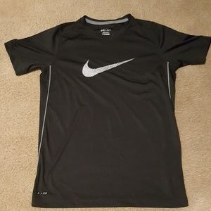 Nike Dri-Fit Boys XL top
